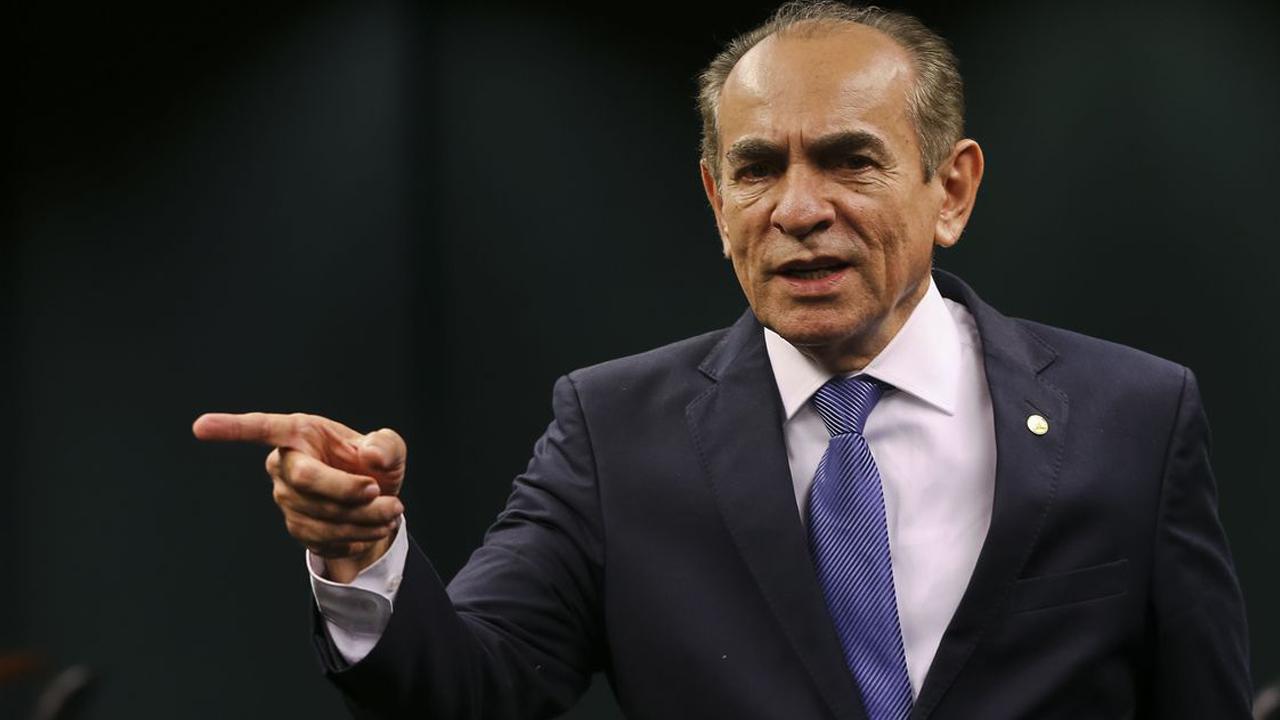IMAGEM: Senadores apresentarão PEC para que eleição presidencial tenha 2º turno com 3 candidatos