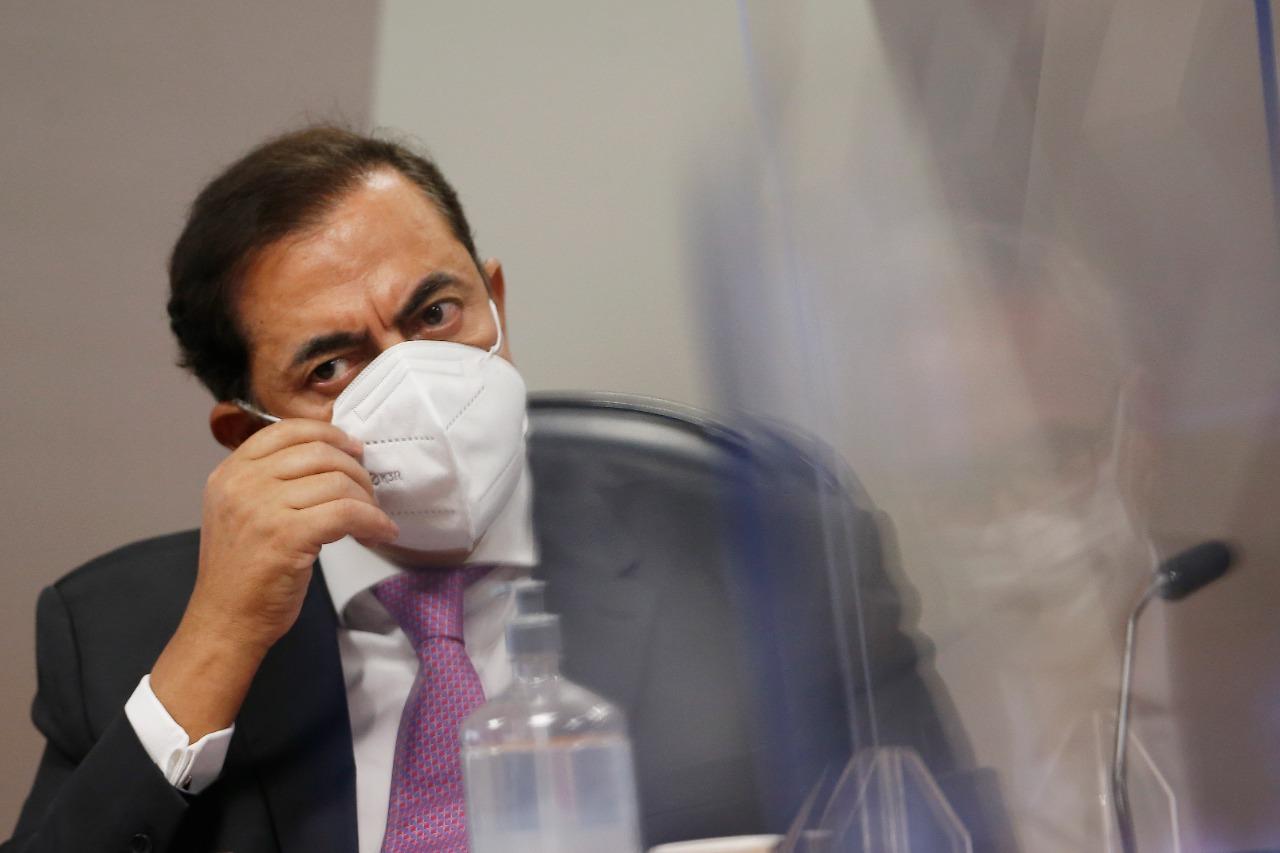 IMAGEM: Tolentino evoca direito ao silêncio 30 vezes e foge de perguntas sobre FIB Bank