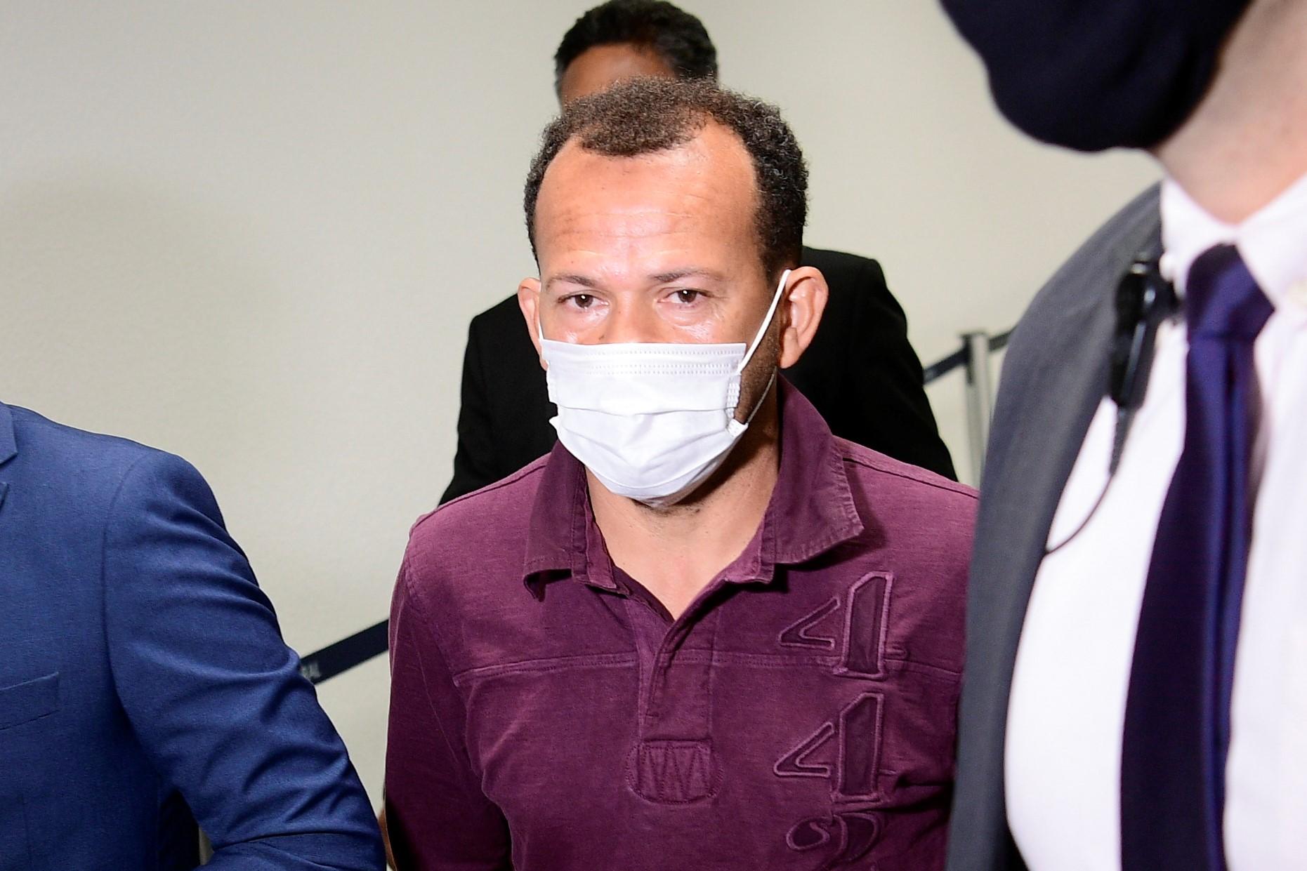 IMAGEM: Motoboy diz que saques eram feitos a pedido de funcionária do setor financeiro da VTCLog
