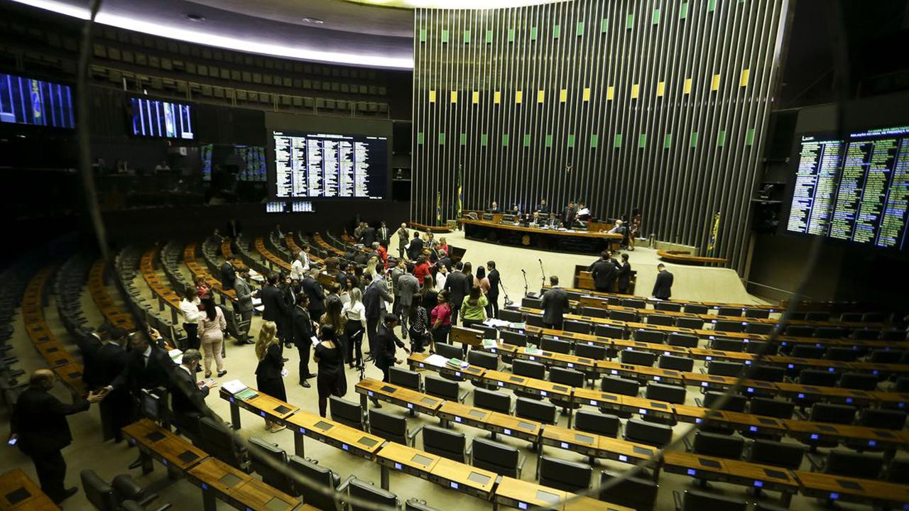 IMAGEM: Veja como os deputados votaram na criação da quarentena eleitoral