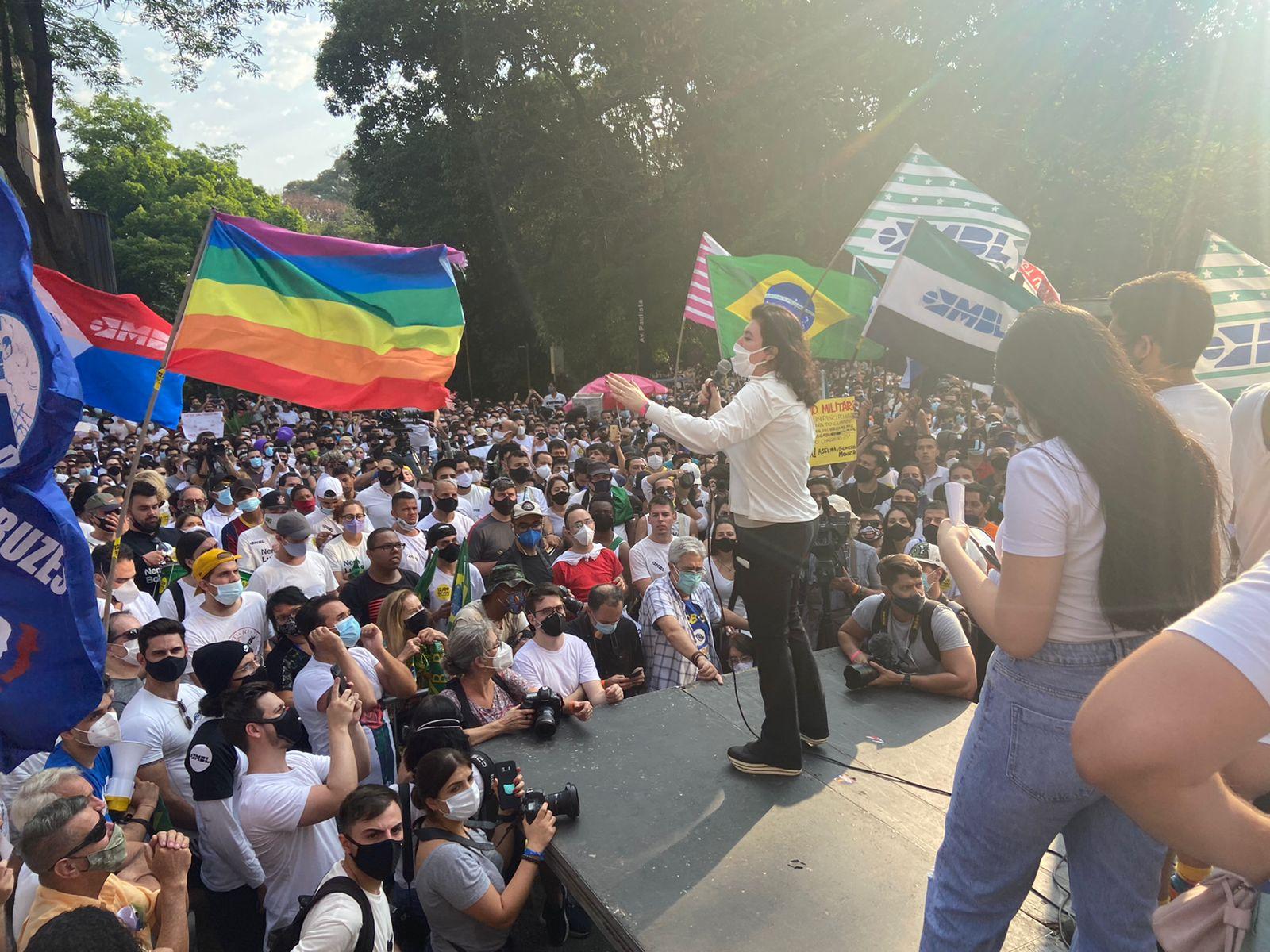 IMAGEM: Ato com lideranças de 18 partidos quer ser 'embrião para grande manifestação'