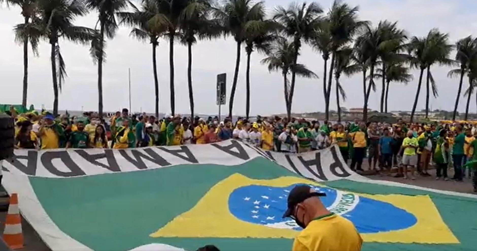IMAGEM: Bolsonaristas se reúnem em Copacabana para ato de 7 de Setembro