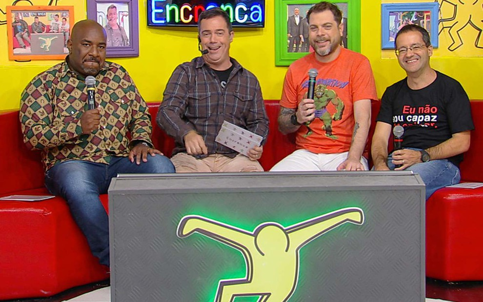 """IMAGEM: Apresentadores pedem demissão do """"Encrenca"""", único sucesso da RedeTV!"""