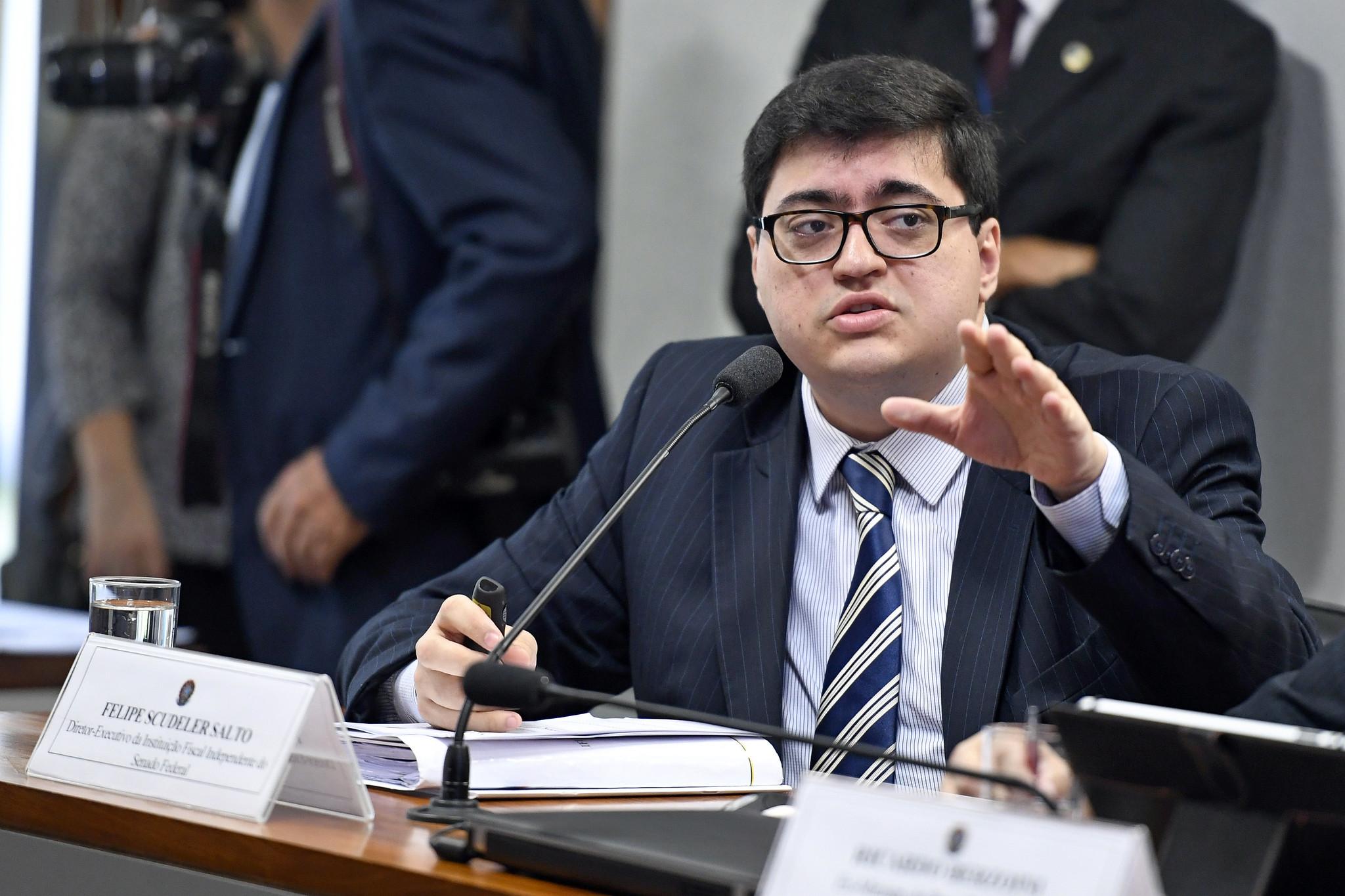"""IMAGEM: Reforma do IR aprovada pela Câmara é """"preocupante"""", diz IFI"""