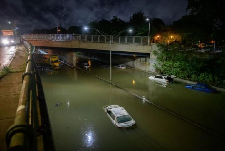 IMAGEM: Tempestade Ida causa pelo menos 7 mortes em Nova York